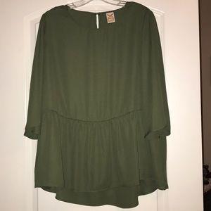 Beautiful Army Green Top, XL, like new